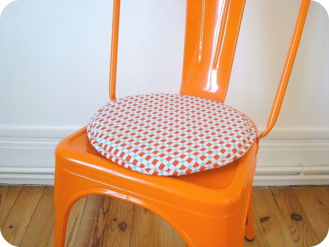 1000 ideas about galette chaise on pinterest galette pour chaise galette - Recouvrir des chaises ...