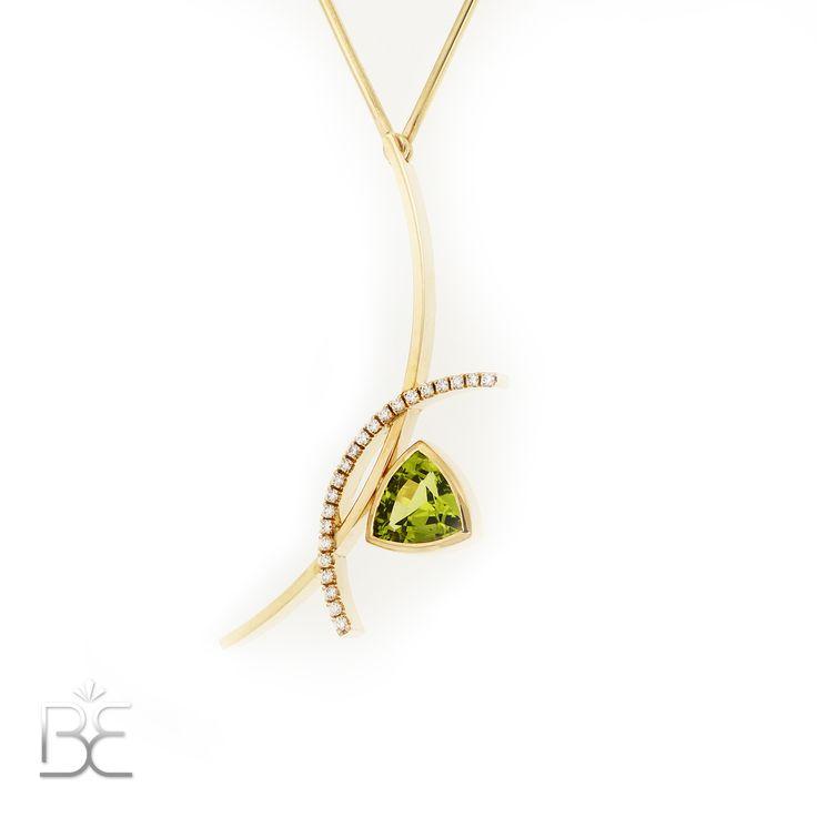 Yellow gold pendant, green peridot and diamonds. Contemporary dutch design. Handmade by Sabine Eekels