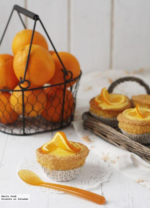 Magdalenas de almendra con glaseado de naranja