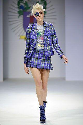 House of Holland Fall 2008 Ready-to-Wear Fashion Show - Agyness Deyn