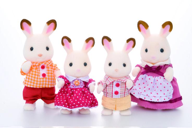 Τόσο γλυκούλια λες και έχουν βουτήξει τα αυτάκια τους στην σοκολάτα. Sylvanian Families GR ♥ Chocolate Rabbit Family ♥