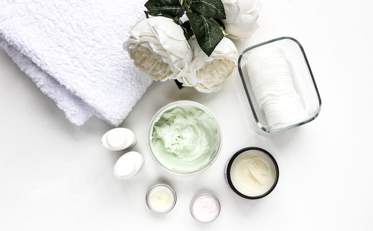 #cosmetics #crem #natural #beauty #organic #bodylotion #butter #flatlay #towels #flowers