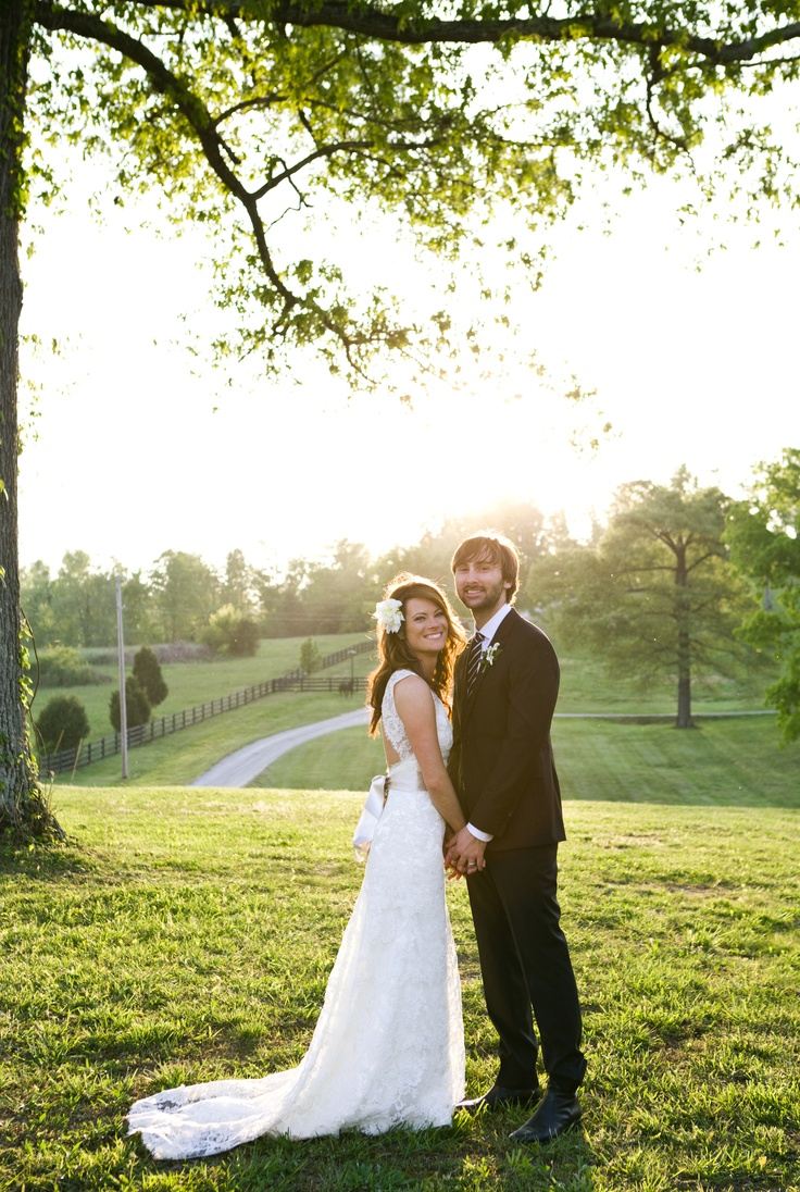 Lady Antebellum's Dave Haywood & Kelli Cashiola  See more country weddings here: http://www.gactv.com/gac/ar_artists_a-z/article/0,3028,GAC_26071_6050919_01,00.html: Lady Antebellum, Wedding Dressses, Haywood Married, Dave Haywood, Country Wedding, Kelly Cashiola, Backgrounds, Antebellum Dave, The Dresses
