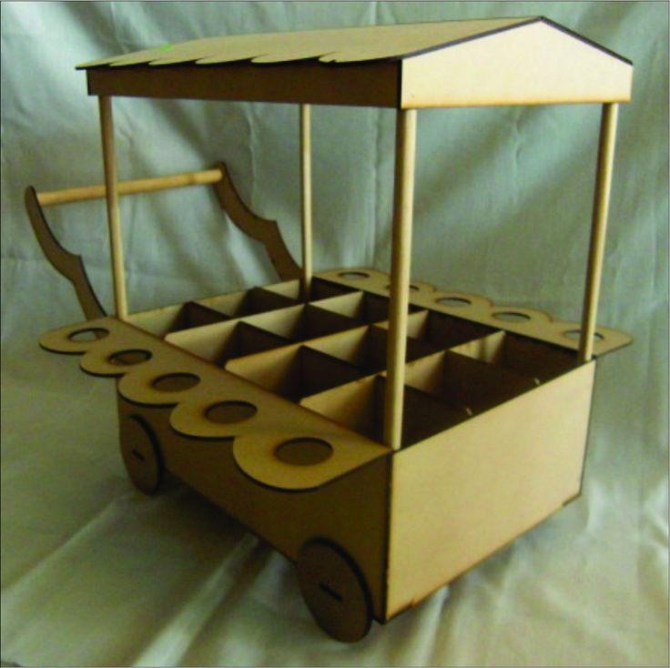Carrito para dulces centro de mesa de fiesta mesas de for Mesa carro bar madera