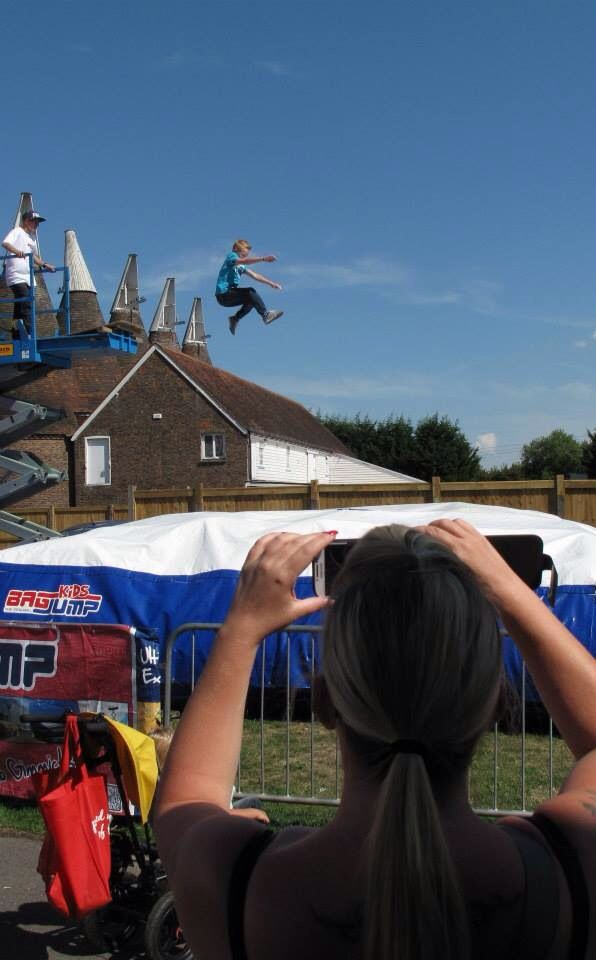 Bagjump UK @ the family hop farm