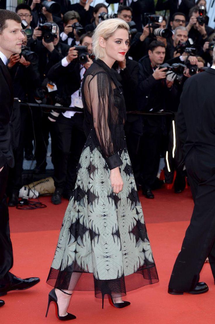 Kristen Stewart, membre du casting de Café Society, et poupée péroxydée en Chanel. (Cannes, 11 mai.)