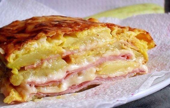 Cuketové lasagne se sýrem, vajíčkem a krůtí šunkou | NejRecept.cz