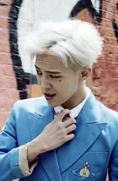 G-Dragon hairstyle