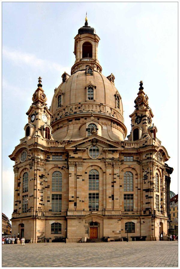 Frauenkirche Dresden Deutschland Die Geschwarzten Steine Sind Diejenigen Die Geborgen Wurden Reisen Deutsch Frauenkirche Kirchen Beruhmte Gebaude