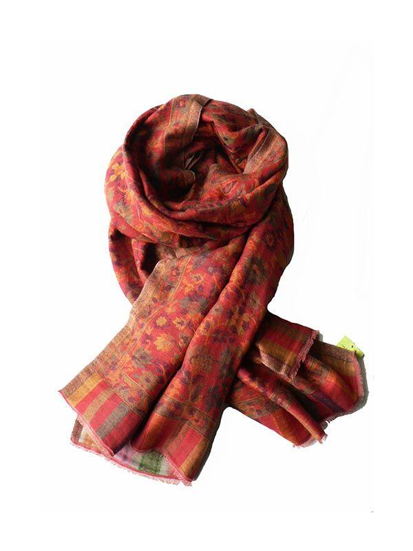 Deze prachtige Kani Pashmina sjaal kunt is dubbelgeweven en is zowel in de zomer als in de winter draagbaar. Ook heel mooi als omslagdoek. Deze unieke sjaal zorgt voor vele jaloerse blikken. Gemaakt van 100% cashmere van de Kashmirgeit uit het Himalayagebergte in India.