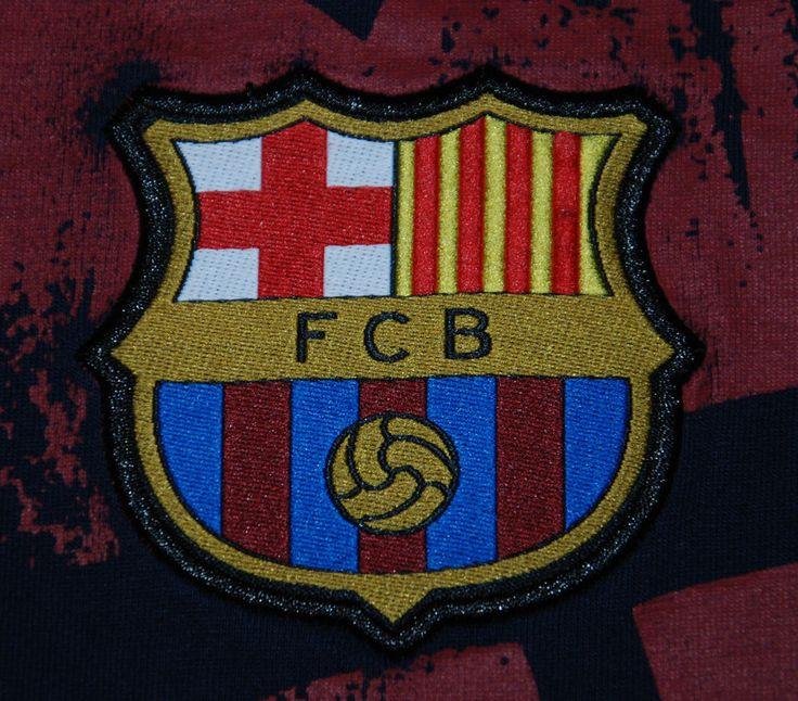 BASED UK FCB BARCELONA T SHIRT BLUE SHORT SLEEVE M FOOTBALL SOCCER