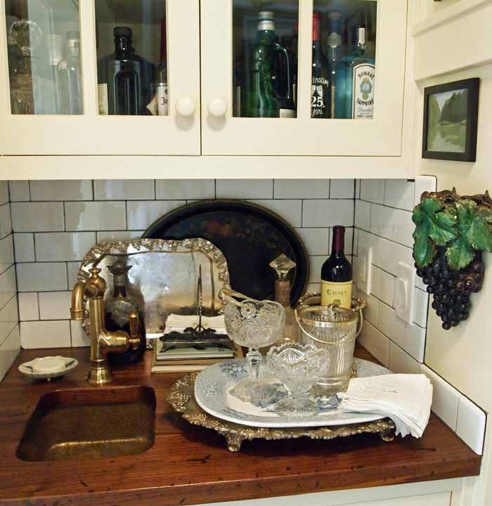 Bar area built into kitchen (Mary Carol Garrity's cottage kitchen)