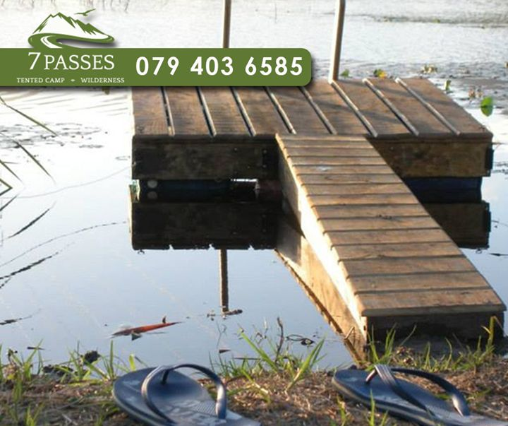 Have some fun and cool down at our beautiful dam lake during the summer holidays at #7Passes. To book your stay or year-end function - call us on 079 403 6585. #summer #wilderness #gardenroute #accommodation