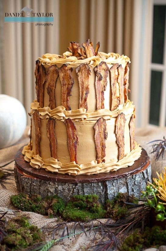 Maple bacon grooms cake