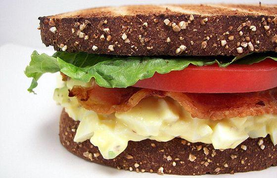 Deliciosa receita de sanduíche de salada de ovo