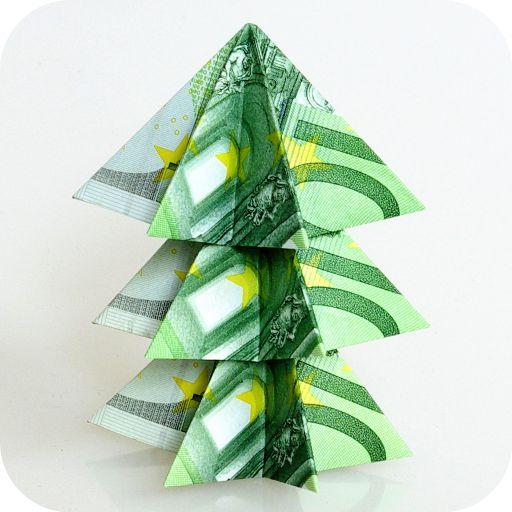 Weihnachtsbaum aus 100 Euro-Scheinen Mit dieser Anleitung ist das Falten von Geldscheinen zu kreativen Weihnachtsgeschenken kein Problem mehr!