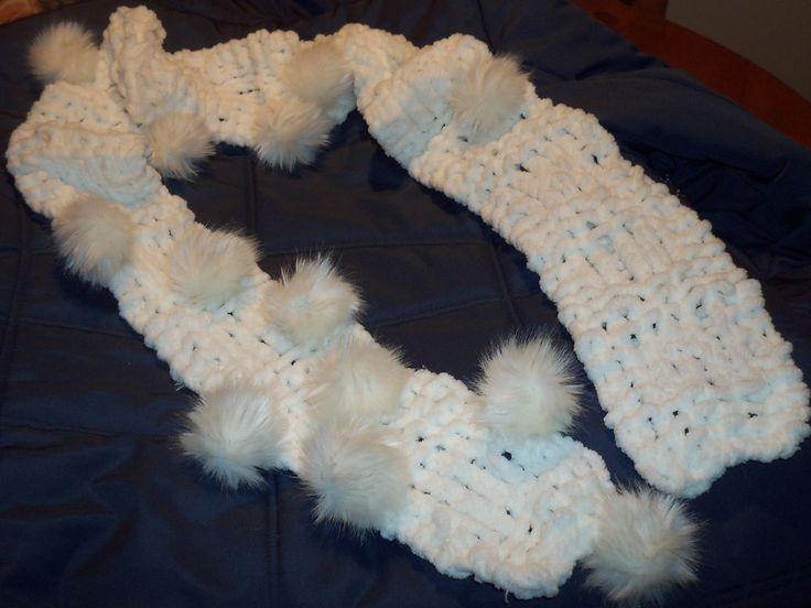 foulard avec fourrure pompon
