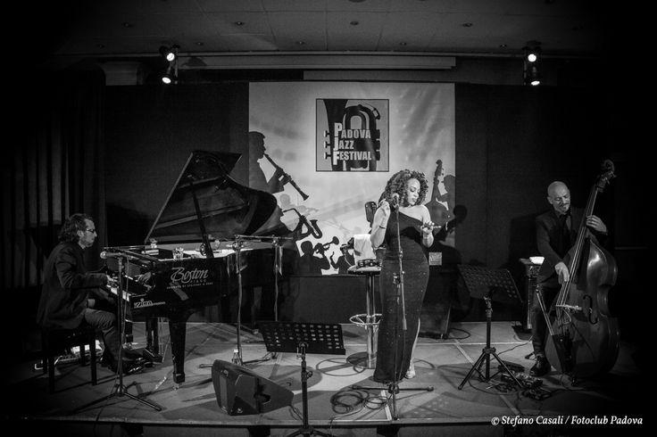 Ty LeBlanc trio, hotel Plaza, giovedì 12 novembre.  Scatto di Stefano Casali per Fotoclub Padova.
