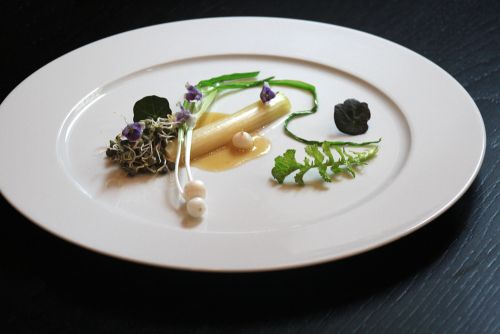 Poached #Leek wild #garlic bulbs #Poireaux Poché.#l'ail sauvage