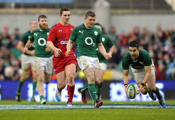 Ireland Rugby's Conor Murray diving in.