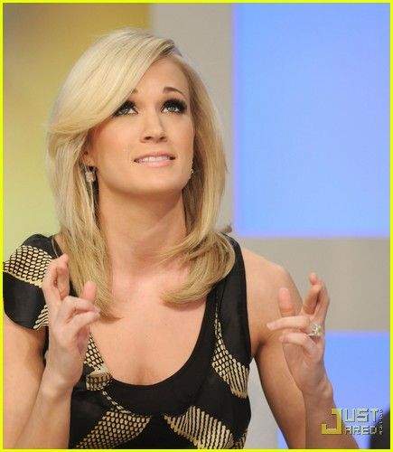 Carrie Underwood: Early Show with Furry Friends!   carrie underwood early show pedigree adoption drive 06 - Photo
