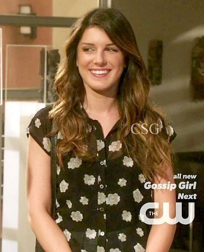 awesome Seen on Celebrity Style Guide: 90210 Style: Shenae Grimes, as Annie Wilson wore a black Forever 21 S... Celebrity Style Check more at http://pinfashion.top/pin/59565/