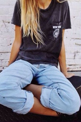 Perfect casual look: thrifted t and boyfriend jeans For latest fashion clothes visit us @ http://www.zoeslifestylefashion.com/clothing/
