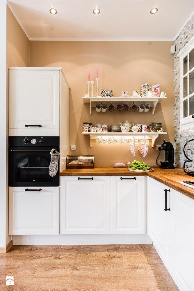 Kuchnia styl Eklektyczny  zdjęcie od SAJE ARCHITEKCI   -> Kuchnia Z Frontami Drewnianymi