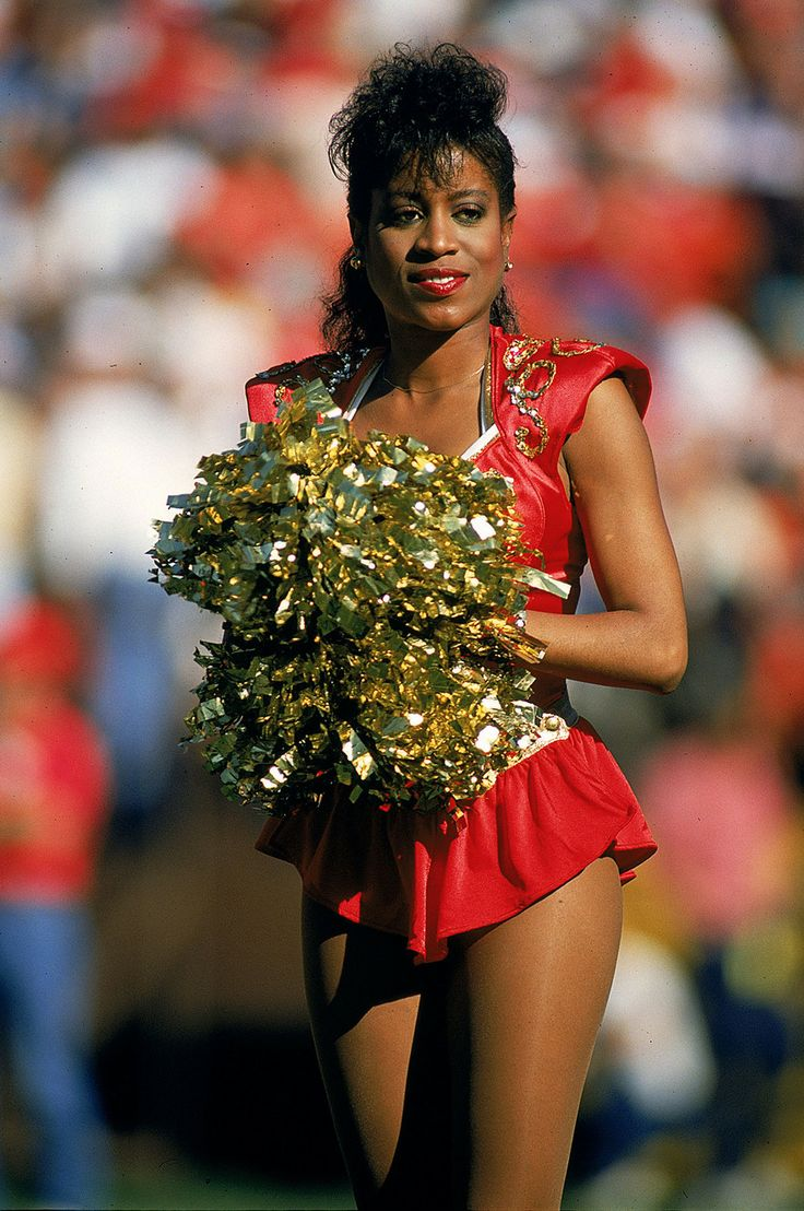 A close up of a 49ers cheerleader during a game against the Packers in 1989.