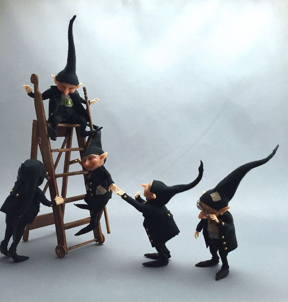 The Thicket-People´s-Witch/wizard helper gnomes... Busy busy little gnomes... - tiny little handmade gnomes in 1/12th scale... FIVE gnomes are in this auction!:
