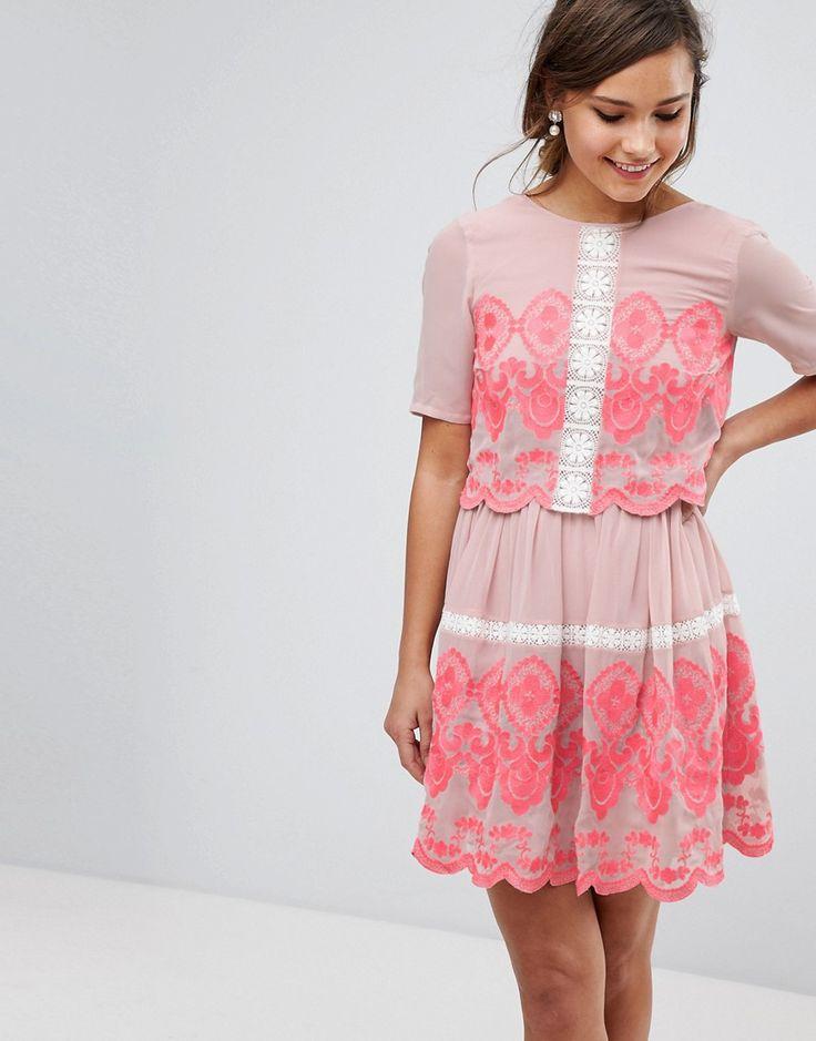 ASOS PREMIUM - Zweilagiges, besticktes Minikleid - Rosa Jetzt bestellen unter: https://mode.ladendirekt.de/damen/bekleidung/kleider/sonstige-kleider/?uid=3401d990-fab6-55a3-b524-d63f999022be&utm_source=pinterest&utm_medium=pin&utm_campaign=boards #sonstigekleider #kleider #abendkleider #female #bekleidung