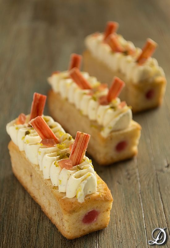 Rolls filed with meat or fish or vegetables, topped with cheese or pate, garnished with filling.