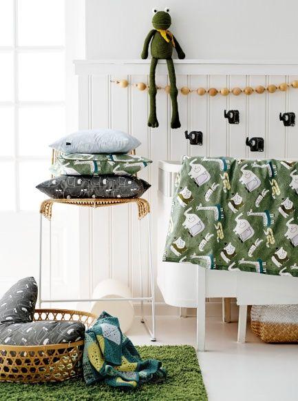 Cotton green w jungle print - Stoff & Stil - DIY kid's room makeover fabric DIY