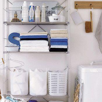 無印ステンレスワイヤー バスケット ボトル類の収納にも。サビに強い素材なので、このまま浴室に持ち運んで使うこともできます。