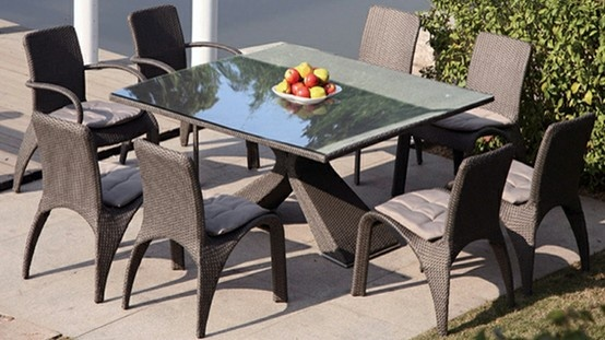 Roter dining es un nuevo estilo que ha sido añadido a nuestra selección de mobiliario de jardín,