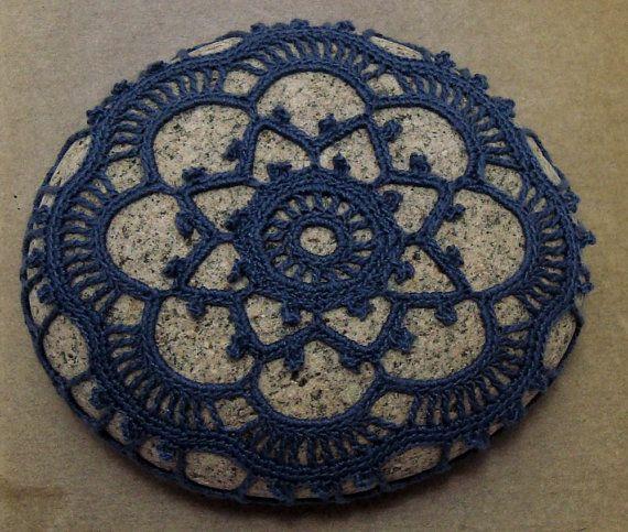Pietra blu Art di spiaggia di pietra da di KnotByThreadAlone