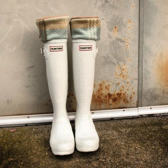 White Hunter Boots With April Showers SLUGS Fleece Rain Boot Liners Khaki by WithTheRain #hunterboots #rainydaystyle