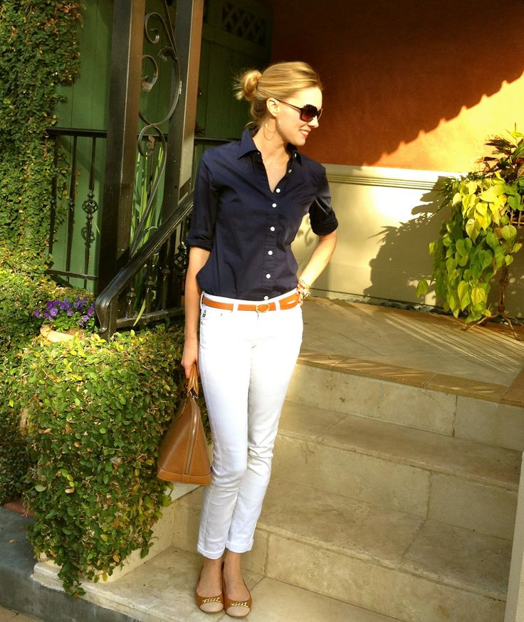 white ankle jeans, brown leather belt, simple navy blouse, outfit