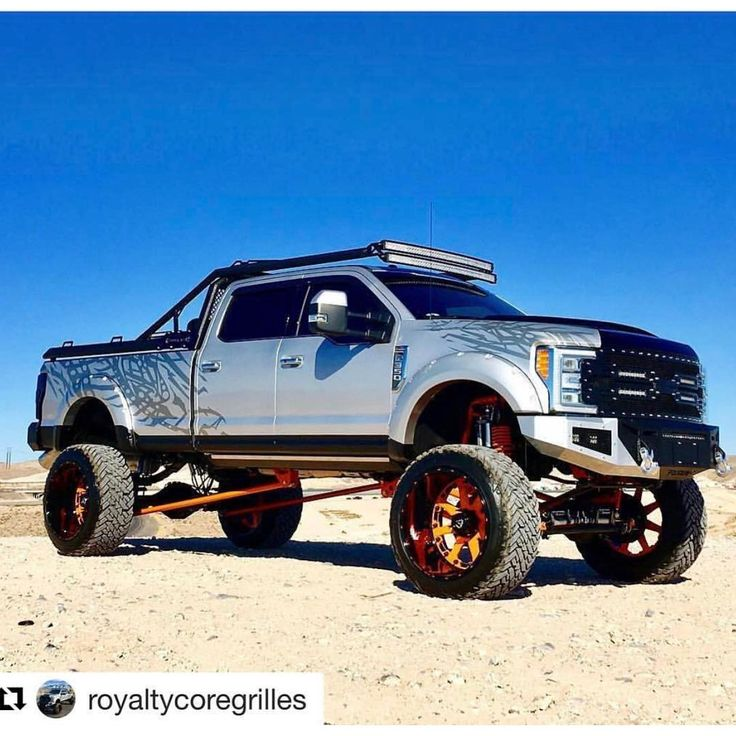 Our friends @royaltycoregrilles with a sick new style f250 #ford #bulletproofsuspension #diesel #lifted