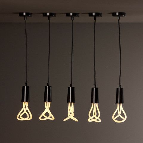 La supension complête ampoule Plumen comprend le set de fixation ainsi que l'ampoule.    L'ampoule Plumen a reçu le prix du design 2011... Elle com...
