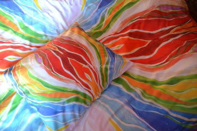 Energetic sheets with Adriana Karima's paintings – PASSION  Available in two sizes: 140 x 200 with 1 pillow cover 50 x 60 – 169 zł 160 x 200 with 2 covers, 60 x 70 – 189 zł