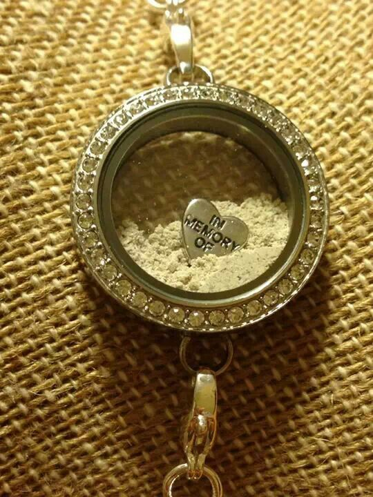 Origami Owl lockets are perfect for keeping the ashes of those we love and lost close. Simply permanently seal it! www.abby.origamiowl.com