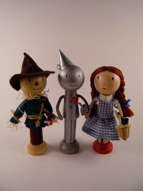 Clothespin dolls - re pinning in hope you see this G x