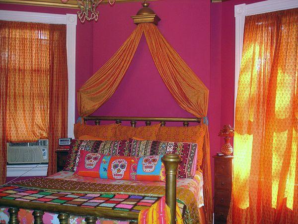 bedroom-magenta (minus the skulls)