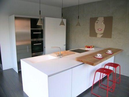 cucina Icon Ernestomeda - arredamento cucine moderne Ernestomeda anta air in vetro bianco ghiaccio ,piano in Corian
