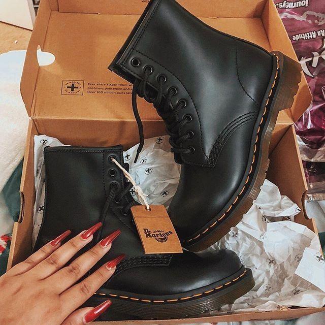 dr martens black boots womens