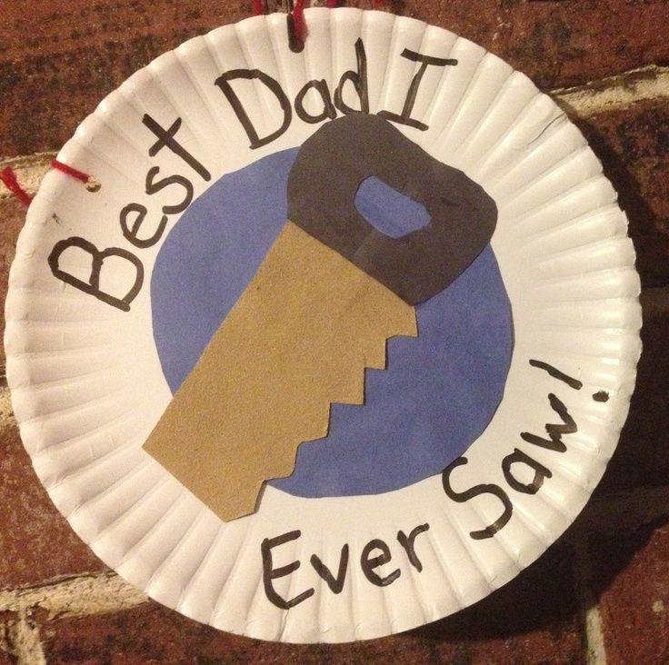 Easy Father's Day Paper Plate Saw Craft for kids!