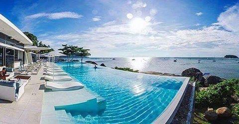 Infinity-бассейн, дизайнерские шезлонги, вид на океан, уютный ресторан и отличная погода – все, что мы любим в отеле @katarocksphuket в одном кадре. #travelwithcollectionpr #destination #luxury #resort #holidays #vacation #katarocks #katarocksphuket #thailand #phuket #amazing #awesome #travel #instatravel  #trip #holiday #photooftheday #tourism #tourist #mytravelgram #pool #poolside #тайланд #пхукет #путешествие #отпуск #отдых tourism #holiday #holidays #photooftheday #katarocksphuket…