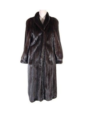 PRICE SLASHED. DAY FURS ELITE GARMENT Gorgeous ranch mink coat in perfect condition, with modified wing collar that can be worn up as in photo or down flat band cuffs and hook and eye closures. Black lining in excellent condition. Constructed of top quality female skins. Easy to wear style lightweight and comfortable. We feel this is a value priced garment for the quality and condition.