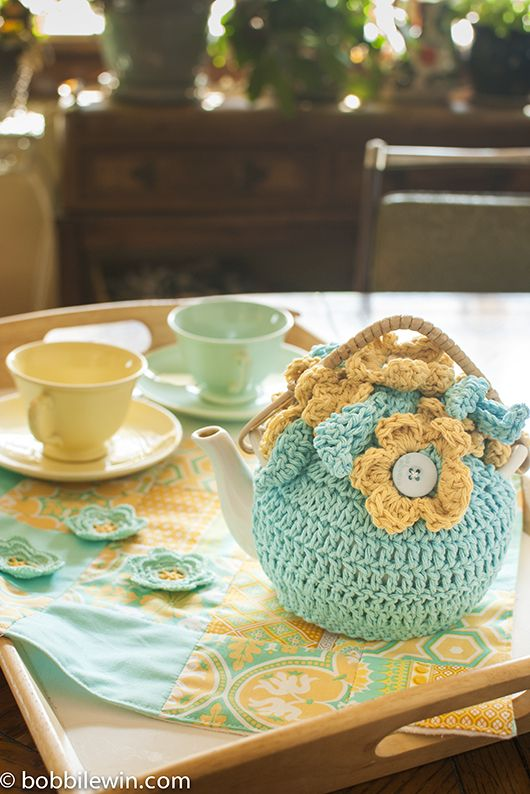 How to design your own tea cozy. Great tutorial by Bobbi Lewin.
